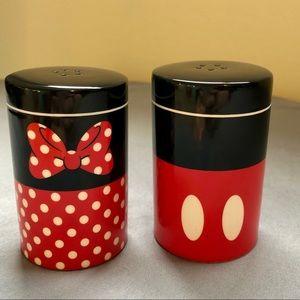 Disney Parks Mickey & Minnie Salt & Pepper Shakers